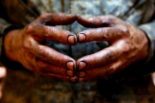 mechanic-hands-553007ee718e7