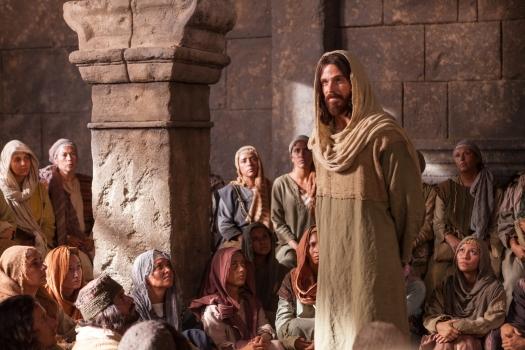 jesus-speaking-crowd-1103410-wallpaper