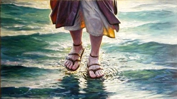 jesus_walks_water-1